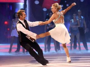 torvill-and-dean-dancing-on-ice-glasgow